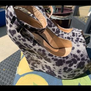 Cathy Jean wedge shoes size 8